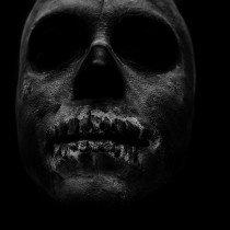 череп,грим,бодиарт,полумрак